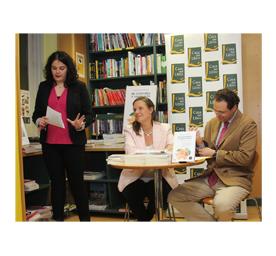 Rosalía de Santos presenta a la escritora Leonor Tamayo. Ediciones Áltera
