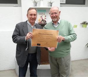El escritor Juan Eslava Galán y el premiado Francisco Núñez Roldán